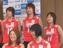 2007年の全日本記者会見で。隣りにはチームメイトでもあり、高校の後輩でもある佐野選手の姿も