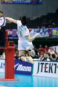 体全体を使った小澤選手のスイング