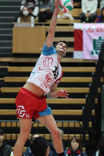 決勝では大車輪の活躍だった豊田合成イゴール選手
